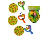 02342 - Prak s míčky a léítajícím talířem, 28x20cm